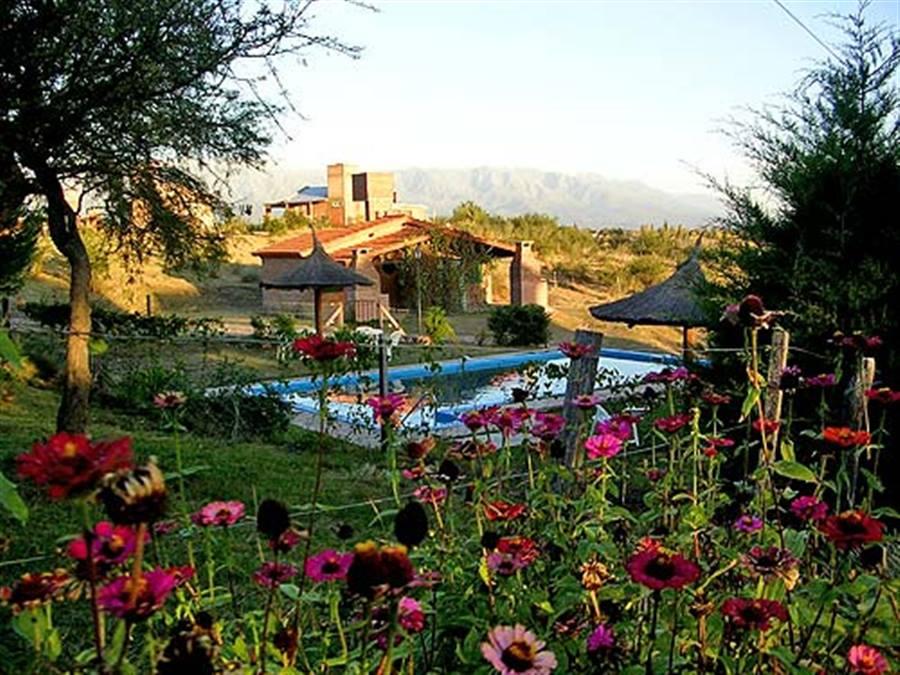 Vista exterior  Altos del Algarrobo Cabañas  Villa Cura Brochero