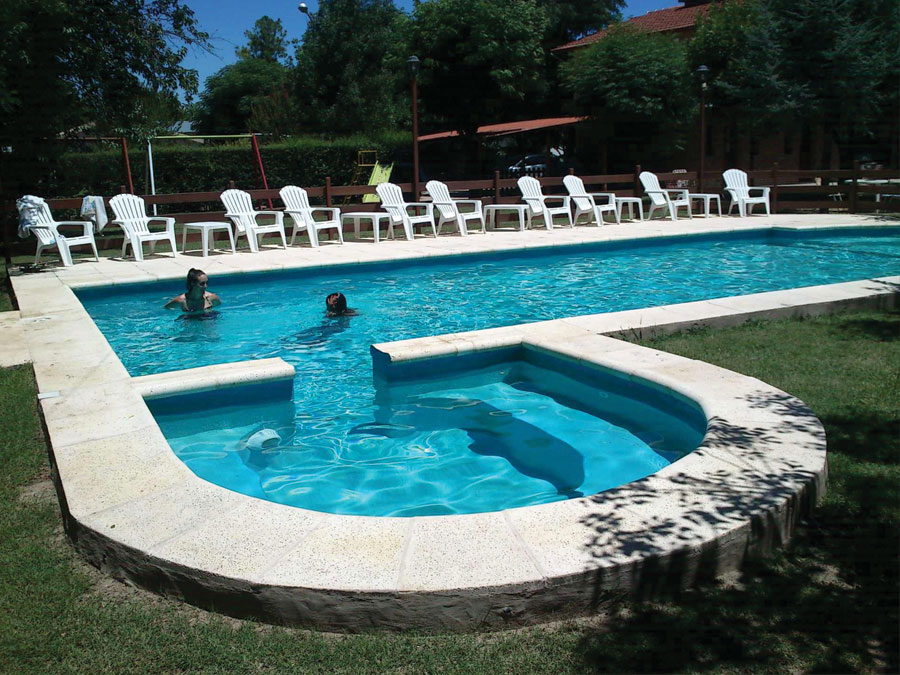 Hoster a arture villa cura brochero for Alojamiento con piscina