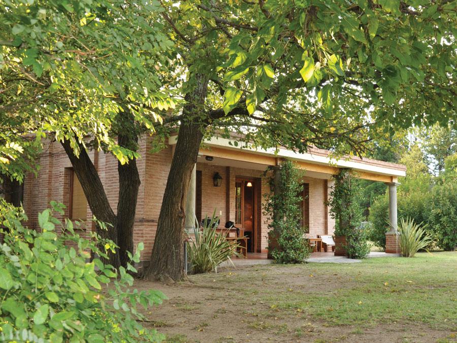 Inmobiliaria riege importante complejo de casas de campo for Casas inmobiliaria