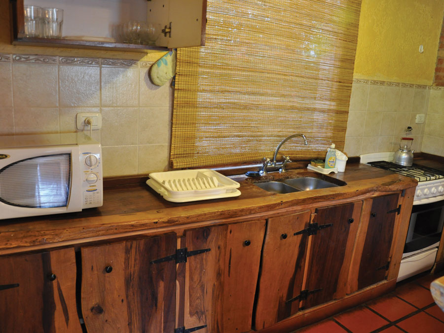 Inmobiliaria riege importante complejo de casas de campo - Cocinas para casas de campo ...