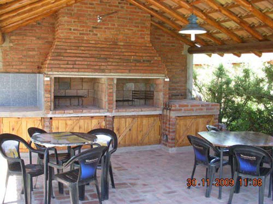 Casa de campo caba as mina clavero for Casa minimalista con quincho