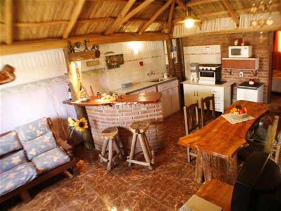 Casas el mirador de mis monta as mina clavero for Cocina 33 cordoba